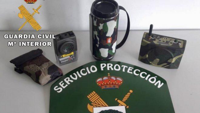 Denunciados dos cazadores por utilizar reclamos electrónicos