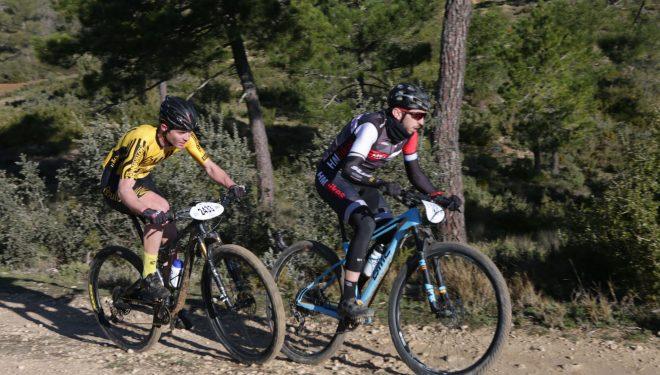 Xavier Calaf y Nieves Giménez triunfan en Almansa