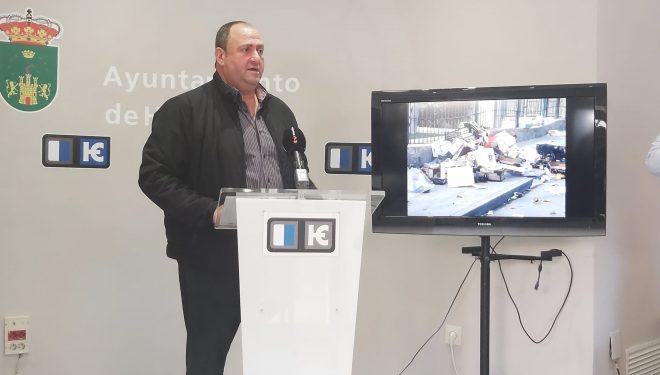 """El Ayuntamiento de Hellín tomará medidas """"serias y contundentes"""" para controlar la basura que genera el mercadillo semanal"""