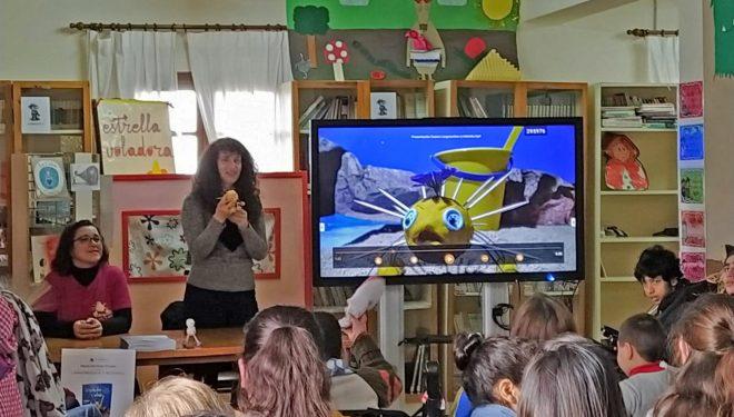 """Presentación del libro sobre el bullying """"Larguiruchos y redondo"""""""