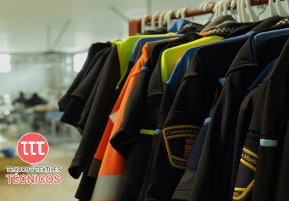 La empresa hellinera Tejidos y Textiles Técnicos confecciona 2.500 batas quirúrgicas