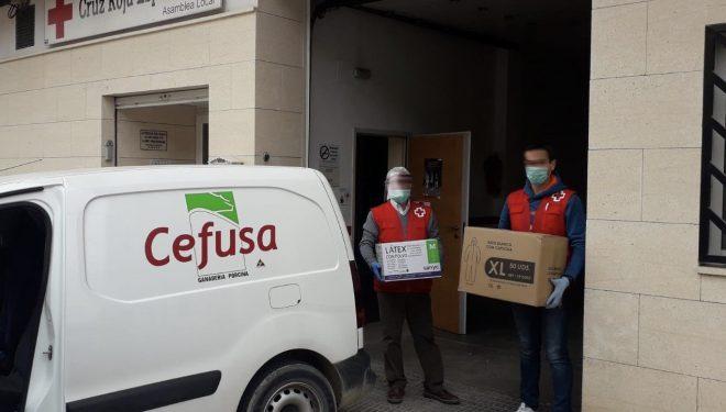 Cefusa dona equipos de protección sanitaria al Hospital de Hellín