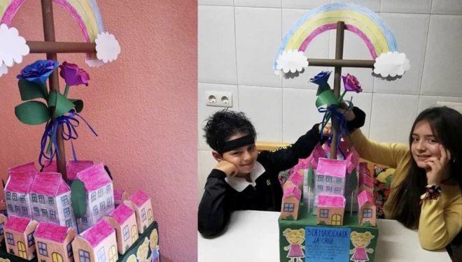 Los niños Ángel Rodas García y Lucía Gómez García ganadores del concurso escolar del Día de la Cruz
