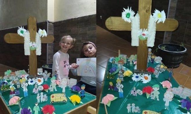 2º Premio: con 150 € a la Cruz nº 52, correspondiente a los niños Valeria y Elsa Martínez
