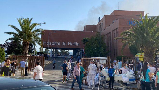 Un incendio en el Hospital de Hellín obliga a evacuar a todos los pacientes