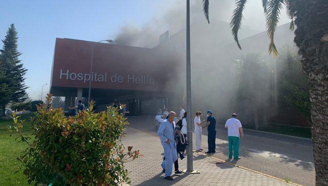 Extinguido el incendio del Hospital de Hellín