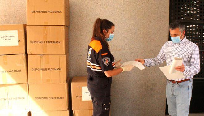 Protección Civil reparte 6.000 mascarillas en Hellín