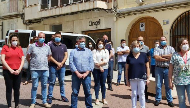Minuto de silencio en honor de las victimas provocada por el coronavirus
