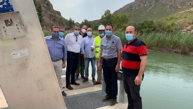"""El director general de Desarrollo Rural, José Juan Fernández Zarzo, visita la SAT """"El Ojeado"""" de la pedanía de Isso"""