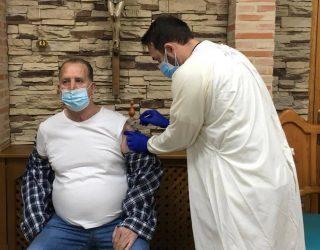 Comienzan las vacunaciones en los Hermanos de la Cruz Blanca y la Residencia de Ancianos Santa Teresa de Jornet