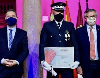 Emotivo reconocimiento a cuerpo de la Policía Local de Hellín en Alcázar de San Juan