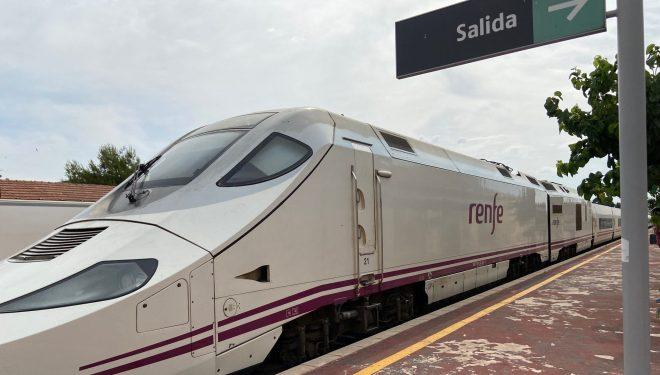 """""""Al compás del chacachá, el chacachá  del tren, que gusto da viajar cuando se va en el tren"""""""