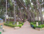 El portavoz del PP, Manuel Serena, lamenta el mal estado que presenta el parque municipal