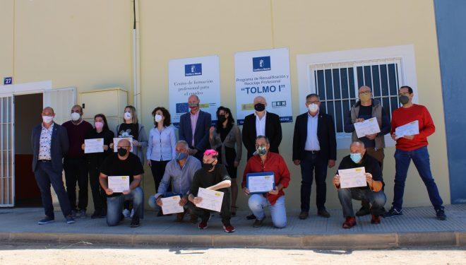 Entrega de los certificados de profesionalidad a nueve alumnos especializados en Albañilería