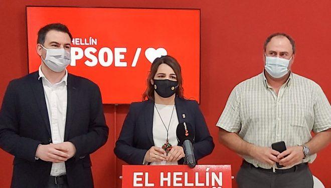 El diputado del PSOE, Antonio Sánchez, dio amplia información de los planes de la Junta contra el desempleo juvenil