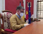 El portavoz del PP, Manuel Serena, preocupado por la falta de vacunación del personal docente de la Casa de la Cultura