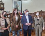 AMEDHE da a conocer sus demandas, inquietudes y proyectos a la consejera de Igualdad, Blanca Fernández