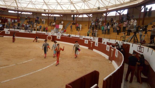Diego Carretero cortó tres orejas en la corrida del día de la Región celebrada en Tobarra