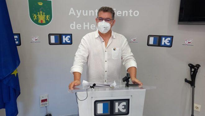 Manuel Serena asegura que el presidente de Castilla-La Mancha, García-Page, solo vino a Hellín a hacerse fotografías