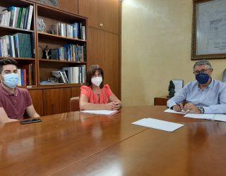 Reunión de trabajo del presidente de la CHS y la alcaldesa de Yeste