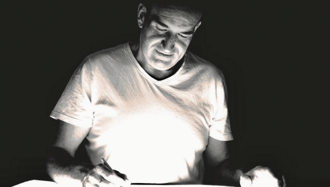 El poeta hellinero Alberto G. Soria presenta su primer libro de poemas
