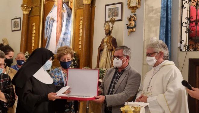 """La Residencia Santa Teresa Jornet premiada con """"Una Corona para la Solidaridad"""""""