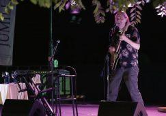 Presentación del video grabado durante la actuación del guitarrista Ken Stringfellow en la Feria de Hellín